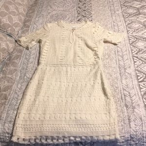 Cream colored vintage lace dress size 6